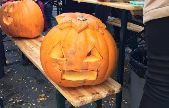 Halloween_in_t_loo